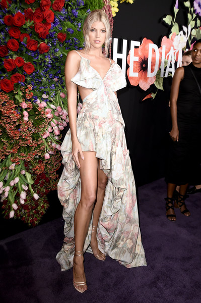 More Pics of Devon Windsor Strappy Sandals (1 of 3) - Devon Windsor Lookbook - StyleBistro [clothing,dress,fashion model,fashion,lady,hairstyle,carpet,red carpet,shoulder,flooring,rihanna,cipriani wall street,new york city,devon windsor,diamond ball]