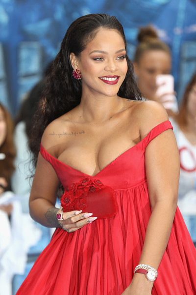 Rihanna Hard Case Clutch [valerian and the city of a thousand planets,fashion model,beauty,human hair color,hairstyle,shoulder,lady,girl,fashion,flooring,model,rihanna,european premiere,european,cineworld leicester square,england,london,red carpet arrivals,premiere]