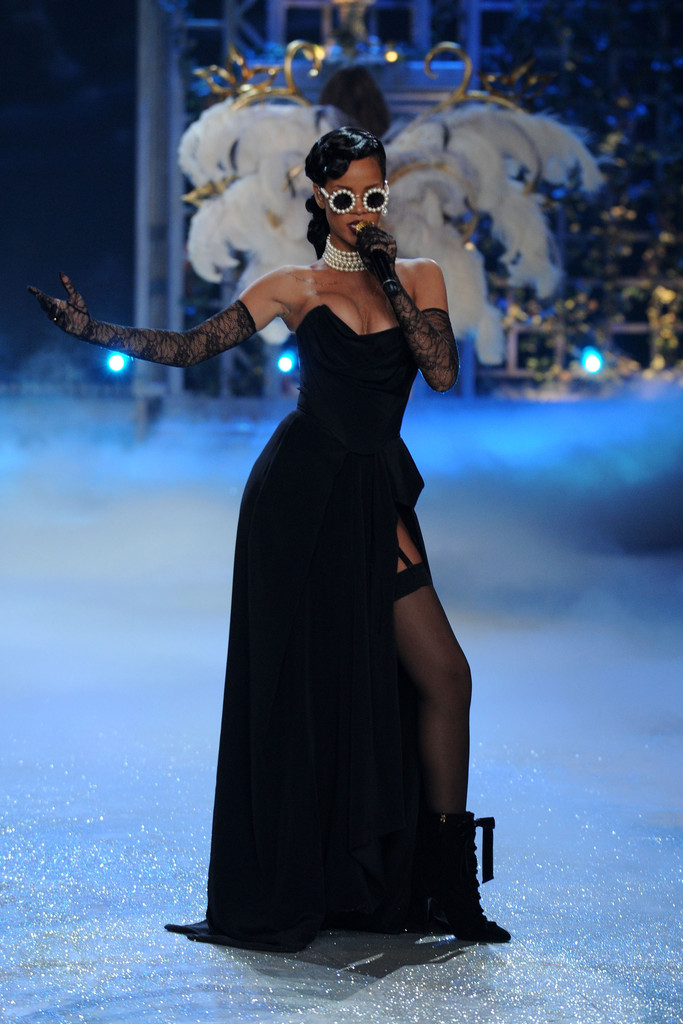 Rihanna Corset Dress Rihanna Looks Stylebistro