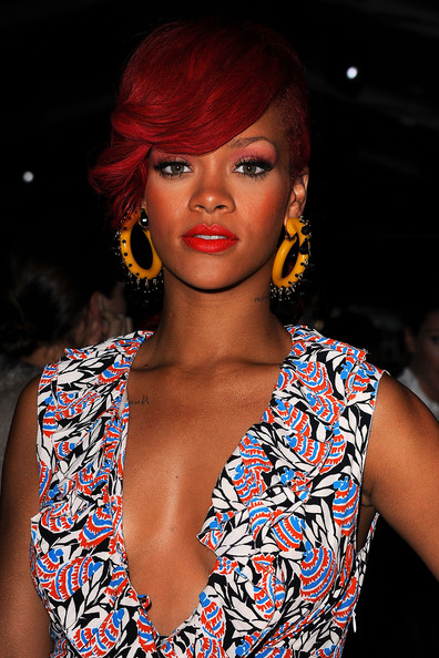 rhianna earrings rihanna costume hoops rihanna hoop earrings looks 2135