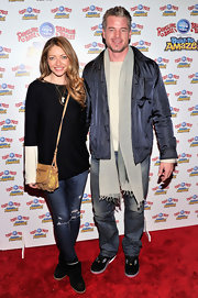 Rebecca Gayheart chose a black and white sweater for her casual and cool red carpet look.