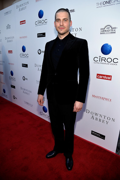 Rob James-Collier Men's Suit