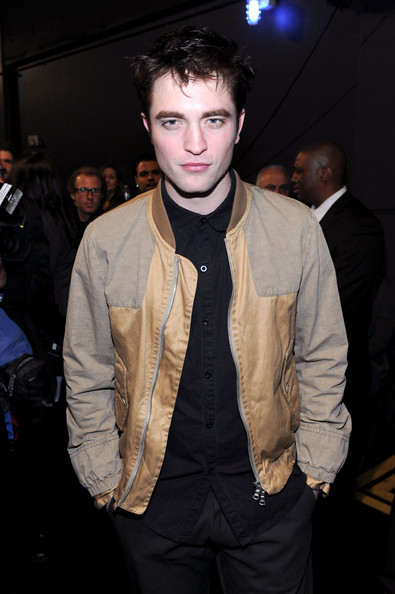 Robert Pattinson Track Jacket [robert pattinson,audience,peoples choice awards,fashion,hairstyle,suit,cool,forehead,outerwear,event,jaw,jacket,textile,california,los angeles,nokia theatre l.a. live]