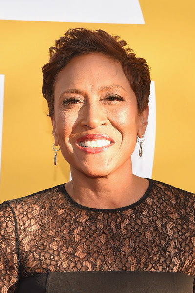 Robin Roberts Short Side Part [face,hair,eyebrow,facial expression,chin,head,smile,nose,skin,lip,robin roberts,nba awards live on tnt - arrivals,nba awards,new york new york,tnt]