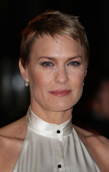 Robin Wright Pixie [house of cards,hair,face,hairstyle,eyebrow,chin,blond,forehead,lip,beauty,cheek,robin wright,london,united kingdom,netflix,red carpet premiere,red carpet premiere,launch,netflix original series]