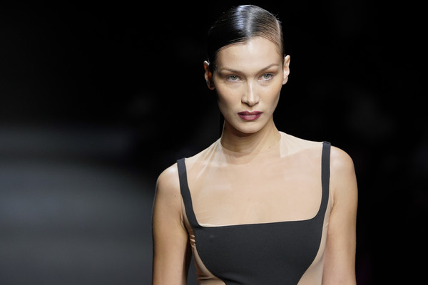 More Pics of Bella Hadid Ponytail (1 of 11) - Bella Hadid Lookbook - StyleBistro [fashion model,hair,fashion,beauty,model,runway,hairstyle,skin,fashion show,chin,bella hadid,part,runway,paris,france,paris fashion week womenswear fall,rochas,show,liu wen,fashion,runway,dress,fashion show,supermodel,haute couture,model,8m1]