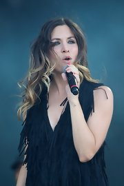 Leire Martinez looked great as she let her curled ombre locks down during a show.