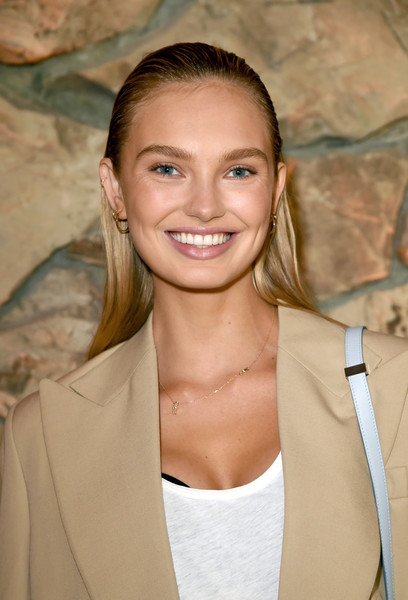 Romee Strijd Long Straight Cut
