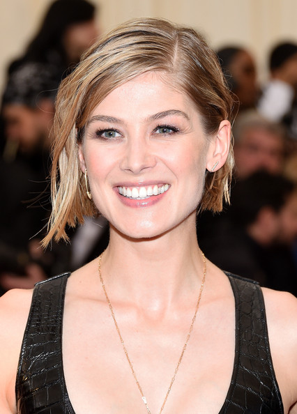 Rosamund Pike Short Side Part