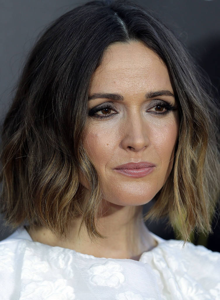 Rose Byrne Curled Out Bob Curled Out Bob Lookbook
