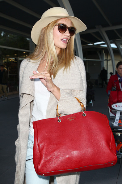 More Pics of Rosie Huntington-Whiteley Oversized Tote  (1 of 12) - Rosie Huntington-Whiteley Lookbook - StyleBistro