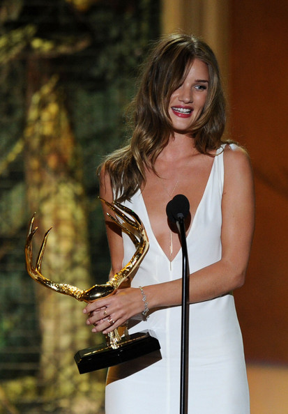 Rosie Huntington-Whiteley Cocktail Ring [beauty,dress,photography,long hair,brown hair,performance,rosie huntington-whiteley,our new girlfriend,awards,guys choice,award,culver city,california,spike tv,sony pictures studios,show]