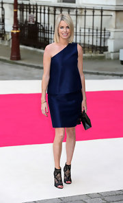 For a really mod take on the one-shoulder style, try something like this boxy midnight blue number Caroline wore to the Royal Academy Exhibition.
