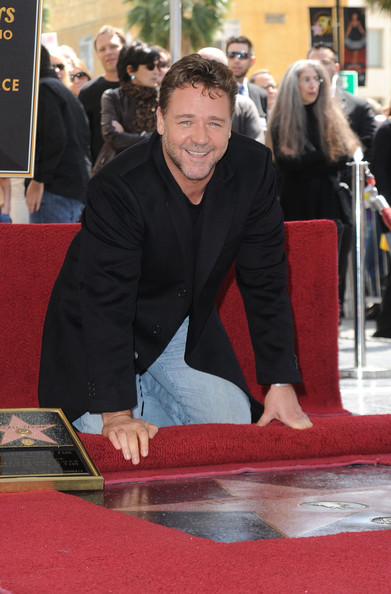 Russell Crowe Clothes