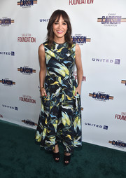 Rashida Jones donned a painterly print dress for the L.A. Golf Classic fundraiser.