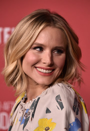 Kristen Bell looked stylish with her textured bob at the SAG-AFTRA Foundation Patron of the Artists Awards.