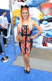 Bonnie's fitted print dress showed off her retro style at the 'Smurfs 2' premiere.