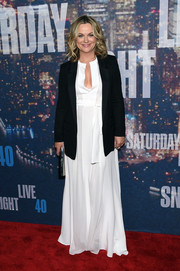 Amy Poehler selected a flowy white BCBG Max Azria gown for her SNL 40th anniversary party look.