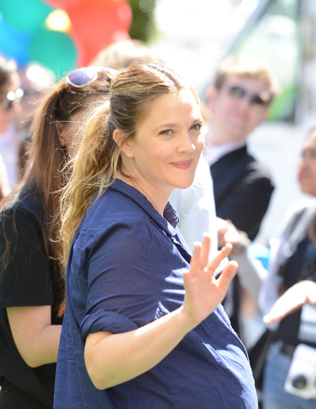 More Pics of Drew Barrymore Ponytail (1 of 34) - Drew Barrymore Lookbook - StyleBistro