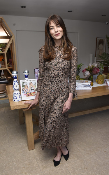 Michelle Monaghan teamed her frock with pointy black flats.
