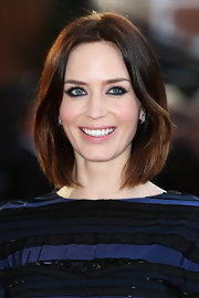Emily Blunt boldly lined her eyes for the European premiere of 'Salmon Fishing in the Yemen' using dark shimmering shades of blue liner.