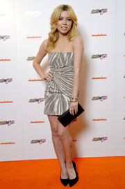 Jennette McCurdy looked very glam in a zebra-print strapless mini dress during the premiere of 'Sam & Cat.'