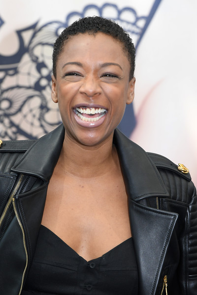 Samira Wiley Short Curls [the handmaids tale,hair,facial expression,hairstyle,eyebrow,smile,forehead,lip,black hair,leather,premiere,samira wiley,photocall,serie,monte-carlo,monaco,monte carlo tv festival]