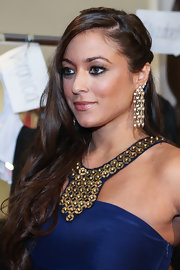 Sammi Giancola blinded it out with these dangling diamond earrings.