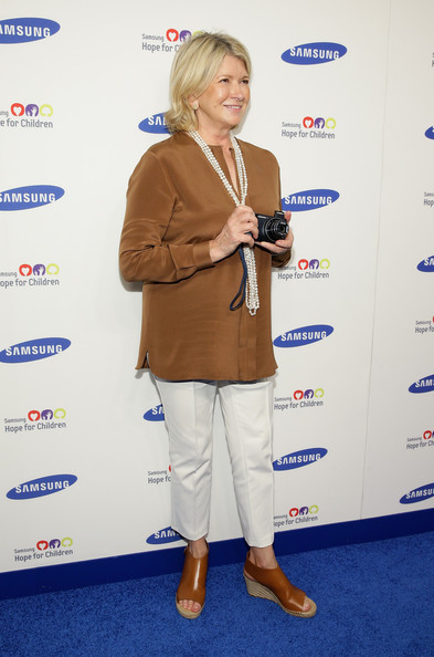 Martha Stewart donned a simple brown tunic and cropped white pants for the Hope for Children Gala.
