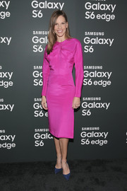 Hilary Swank teamed her dress with navy suede pumps for a stylish color-block finish.