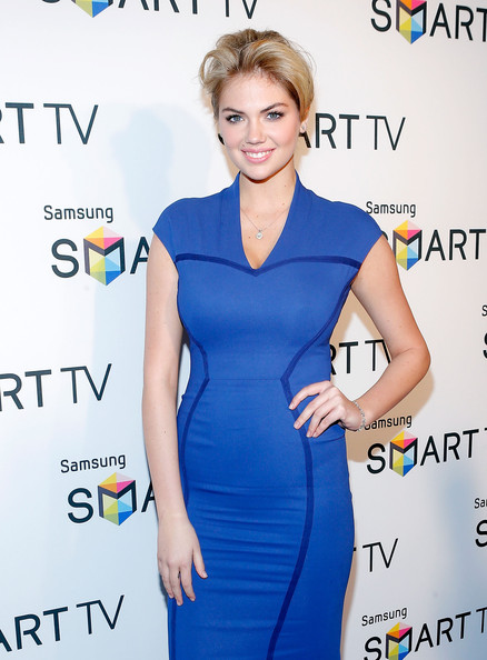 More Pics of Kate Upton Bobby Pinned updo (1 of 18) - Kate Upton Lookbook - StyleBistro
