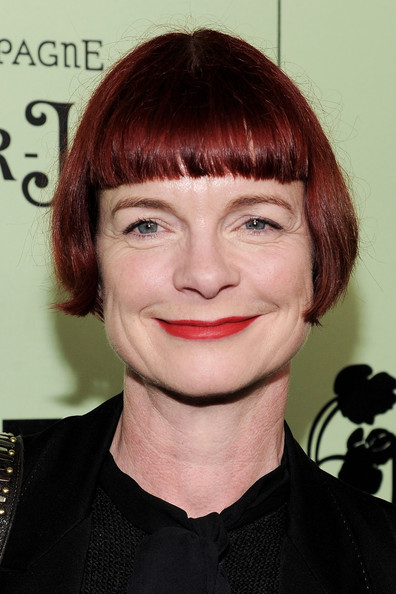 Sandy Powell Short Cut With Bangs