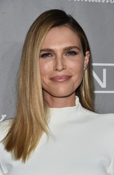 Sara Foster Long Straight Cut
