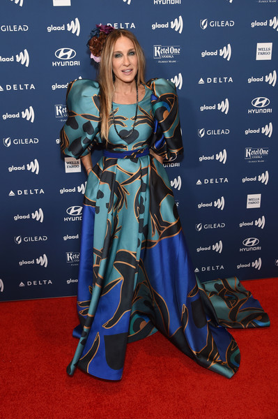 Sarah Jessica Parker Print Dress [red carpet,carpet,clothing,flooring,premiere,costume,dress,fictional character,electric blue,long hair,glaad media awards,new york,new york hilton midtown,arrivals,sarah jessica parker]