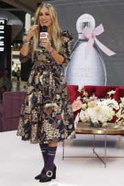 Sarah Jessica Parker kept it ladylike in a printed midi dress by  Ulla Johnson for a fan event at Highpoint Shopping Centre in Melbourne, Australia.