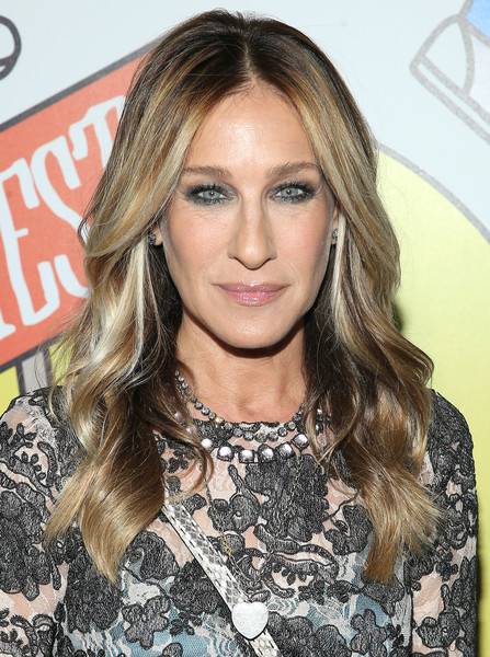 Sarah Jessica Parker Long Wavy Cut [hair,blond,eyebrow,human hair color,beauty,hairstyle,fashion model,long hair,layered hair,forehead,arrivals,sarah jessica parker,obie awards,webster hall,new york city]