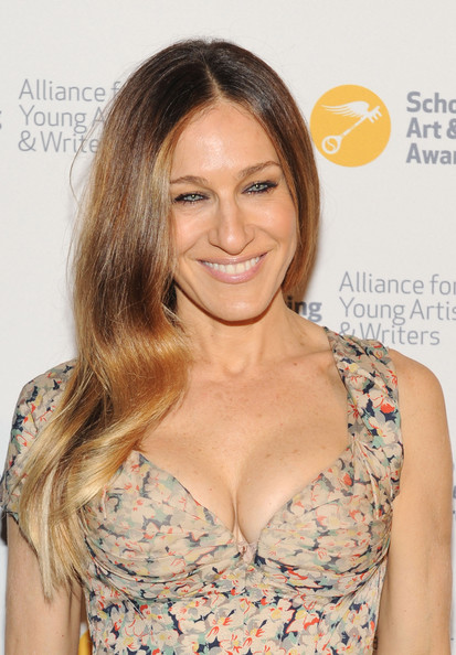 Sarah Jessica Parker Pink Lipstick [alliance for young artists writers benefit,hair,hairstyle,blond,eyebrow,brown hair,beauty,long hair,hair coloring,layered hair,lip,new york city,carnegie hall,sarah jessica parker]