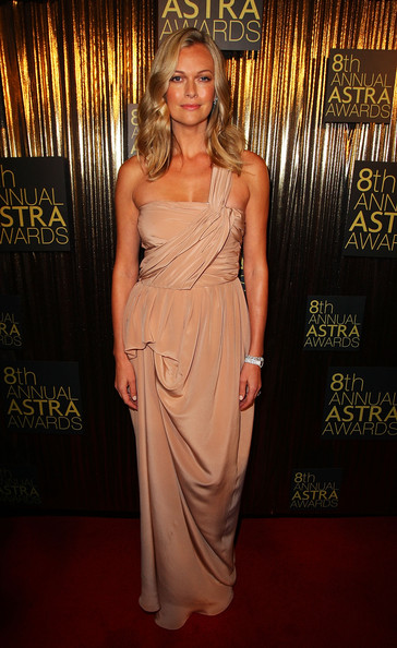 Sarah Murdoch Evening Dress [clothing,dress,red carpet,carpet,shoulder,fashion,hairstyle,fashion model,flooring,gown,sarah murdoch,awards,achievements,subscription television industry,australia,sydney,state theatre,australian subscription television and radio association,astra awards]