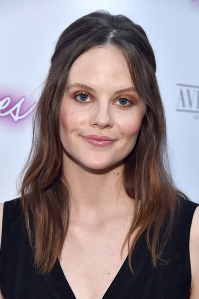Sarah Ramos Half Up Half Down [ingrid goes west,hair,face,hairstyle,eyebrow,chin,lip,brown hair,long hair,layered hair,blond,neon,sarah ramos,arclight hollywood,california,red carpet,premiere,premiere]