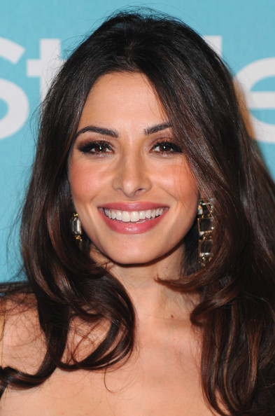 Sarah Shahi Metallic Eyeshadow