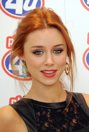 Una Healy nailed the messy but chic look at the Phones 4 U Project Upgrade campaign in London.