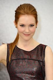 Darby Stanchfield chose a high ponytail to give her a cool and contemporary look.