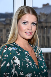Kitty Spencer sported a sleek straight cut at the Schiaparelli Couture Spring 2018 show.