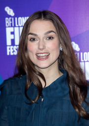 Keira Knightley wore her hair with a center part and just a slight wave at the BFI London Film Festival Screen Talks.