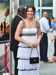 Mandy Moore arrived for the screening of 'The Darkest Minds' carrying a classic chain-strap bag by Chanel.