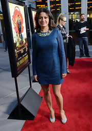 Alia Shawkat chose a casual but elegant long-sleeved cocktail dress for her red carpet look at 'The Brass Teapot' screening.