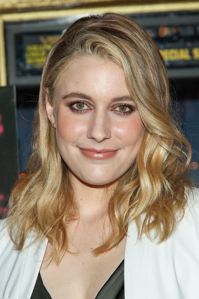 More Pics of Greta Gerwig Long Wavy Cut (2 of 8) - Long Wavy Cut Lookbook - StyleBistro