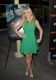 Beth Behrs rocked this Kelly green fit-and-flare sleeveless dress at the 'Black Rock' screening in Hollywood.