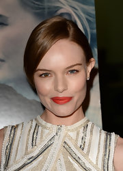 Kate chose this vibrant orange-tinted lipstick to add some pizazz to her look at the screening of 'Black Rock.'