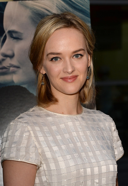 More Pics of Jess Weixler Half Up Half Down (1 of 3) - Jess Weixler Lookbook - StyleBistro